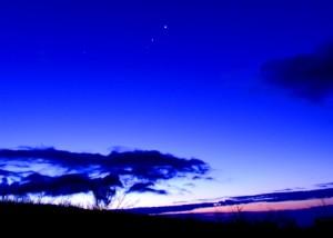 明けの明星S